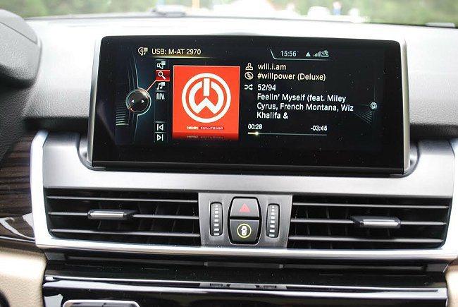 Connected Drive在歐洲也支援多項線上查詢與數位廣播功能。 記者趙惠群/攝影
