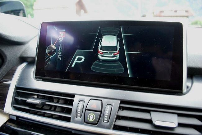 2 Series Active Tourer也配備主動停車輔助系統。 記者趙惠群/攝影