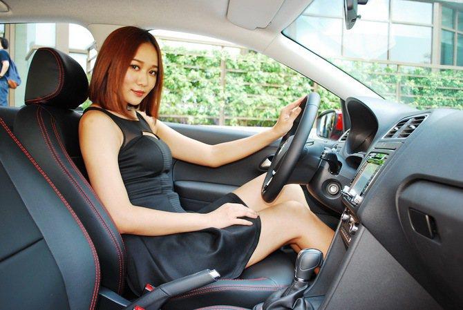 Polo全新電子式轉向系統讓女性車主也能輕易掌控。 記者趙惠群/攝影