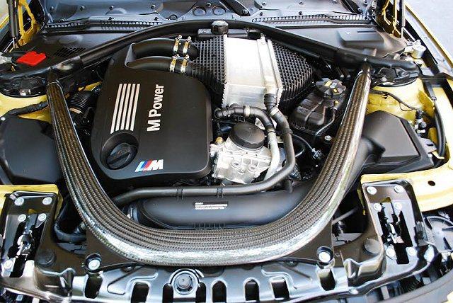 3.0升直六引擎馬力輸出還OK,但扭力高達56.1公斤米,讓M4在不同領域都有激...