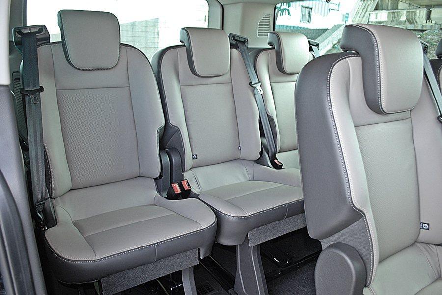 讓三排座椅都有超寬敞的腿部空間,乘坐格外舒暢。原廠號稱有可擁有30種座椅變化組合,也增添它的機能性。 記者趙惠群/攝影