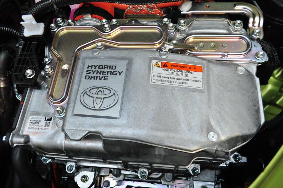 Toyota在油電動力的發展相當積極,也已經廣泛開發運用在旗下各車型支系。Prius C上就是小型車更節能低汙染的代表。 記者許信文/攝影