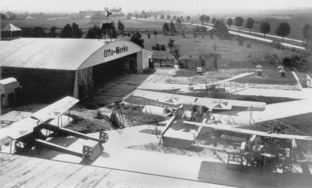 1913年奧圖飛機製造廠。 BMW