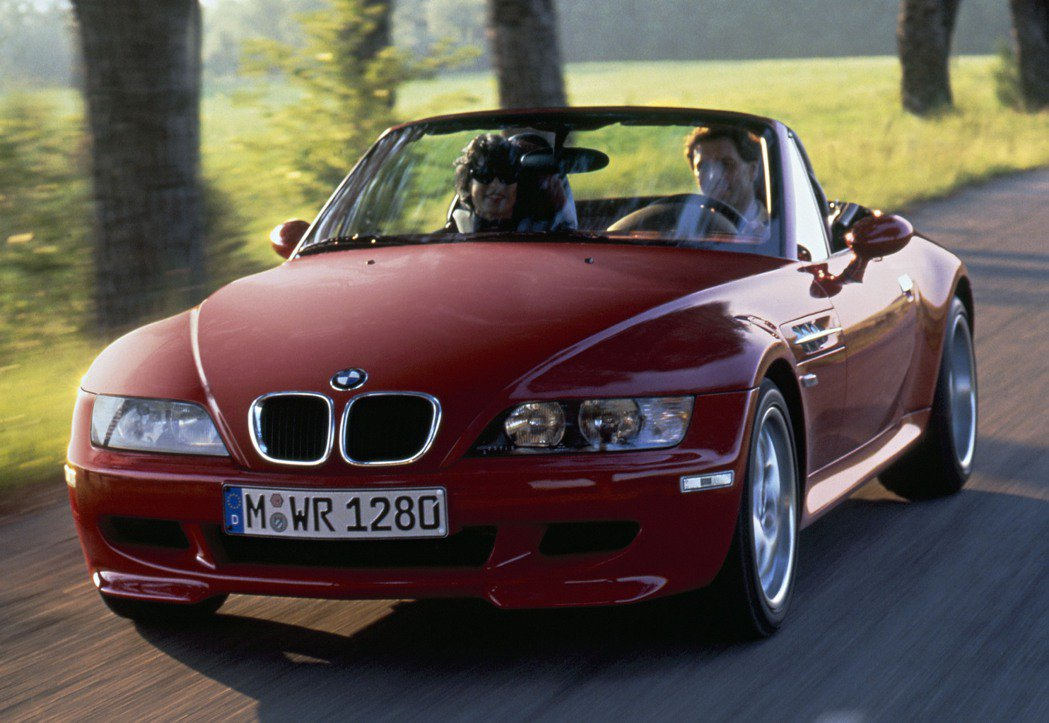 2012推出的M_Roadster雙座敞篷跑車。 BMW