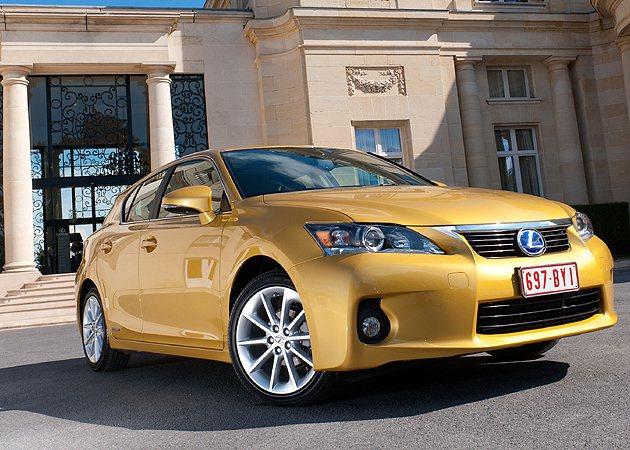 2011年上市的CT 200h讓油電複合動力車更平民化。 Lexus