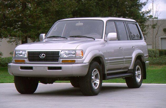 經歷了美日貿易風暴,Lexus在1995年推出頂級豪華休旅車LX450。 Lex...