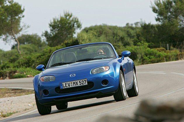 Mazda MX5是最成功的經典作品,也是平民化雙座敞篷車代表作。 Mazda
