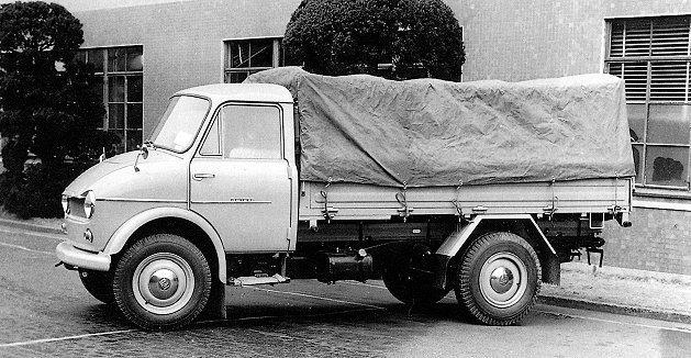 1950年代Mazda在商用車市場一直大有斬獲;圖為1958年中型貨卡Rompe...