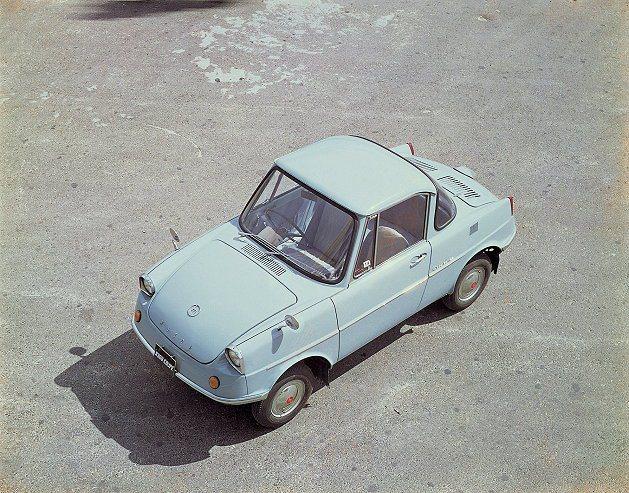 Mazda於1960年代最早推出的第一款轎車R 360 Coupe。 Mazda