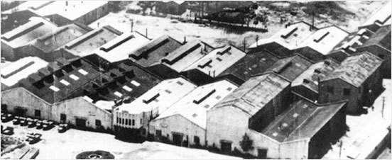 KIA汽車的創始人Kim Chul-Ho 1944年他在首爾永登浦區成立了京城精...