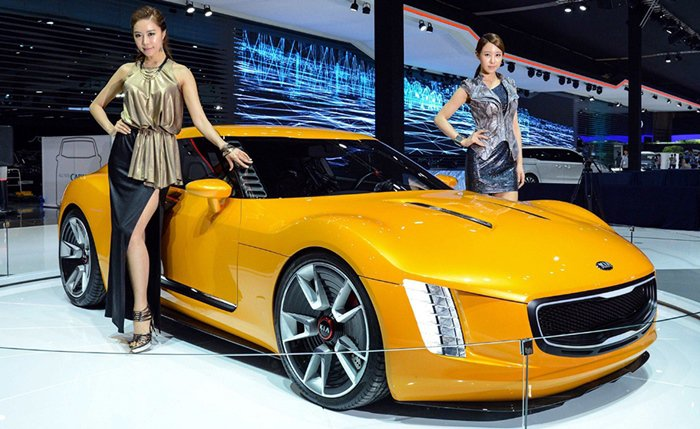 KIA今年另有全新大型旗艦K900,以及全新GT跑車,展現KIA力拚歐洲豪華車品...