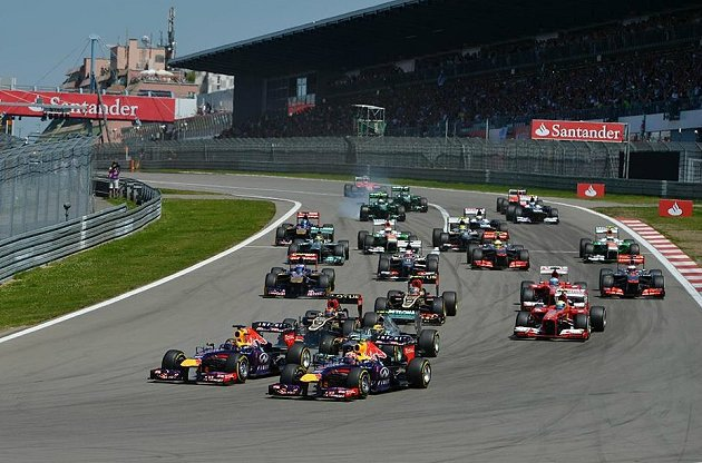德國站競爭激烈,Lotus車隊包辦二、三名。 F1官網