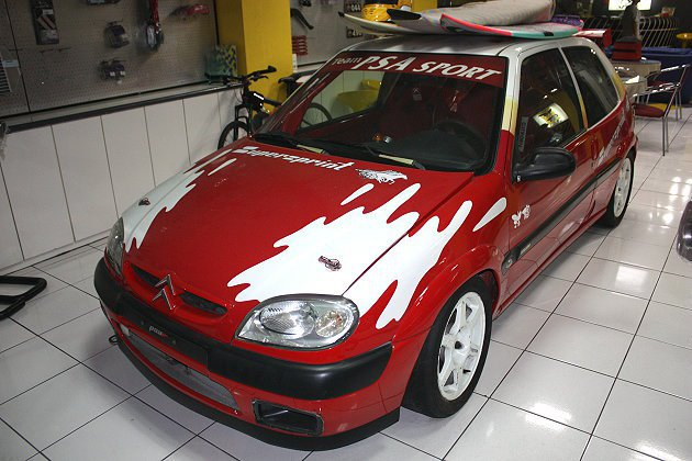 早期盧政義的Citroen比賽用車,現在在法總店內當裝飾車。 林和謙