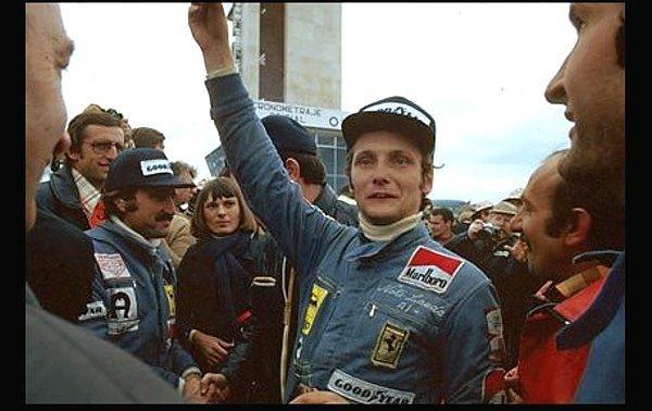 拿過三屆世界冠軍的Niki Lauda是F1傳奇車手。 F1提供