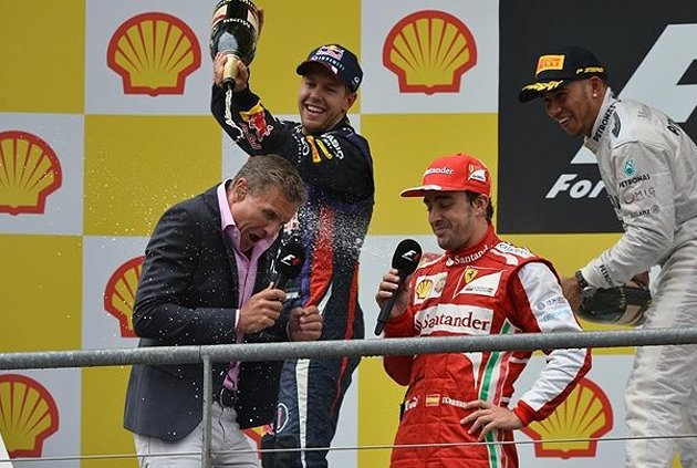 Sebasitan Vettel(左持香檳者)要拿第四座世界冠軍,機會不小。 F1提供