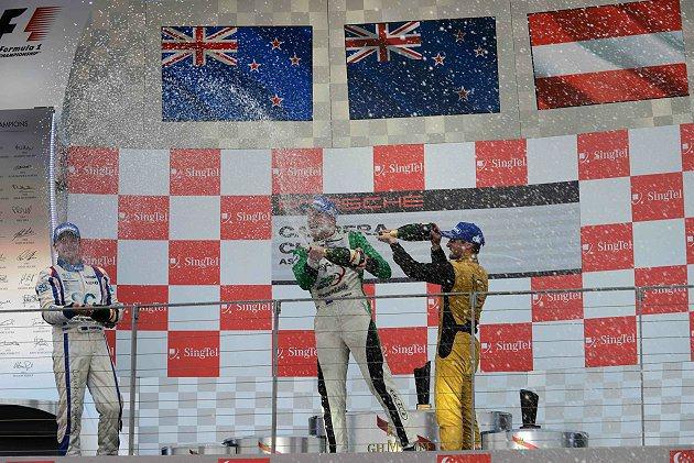 紐西蘭年輕車手班博從杆位出發並一舉奪冠。 亞洲保時捷卡雷拉盃提供
