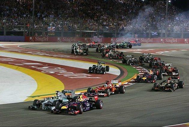 剛起跑時Vettel遭遇Nico Rosberg 的威脅。 F1提供