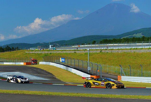 駕駛36號賽車台灣車手Han Lin突破個人最快單圈紀錄。 Lamborghini提供