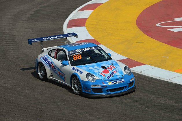 B組曼妥思車隊的伯菲特已經提前獲得總冠軍。 Porsche Carrera Cup Asia提供