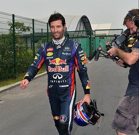 Mark Webber因變速箱與發電機出問題而退賽,顯得相當悲情。 F1提供