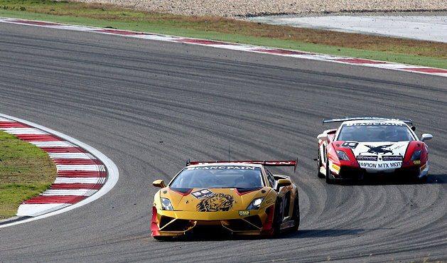 台灣代表Gama Racing Team 36號車擁雙獎盃。 Lamborghini提供