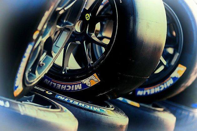 米其林提供給Audi車隊所使用的特殊配方高溫複合競技胎,在最後競爭階段毫無疑問扮...