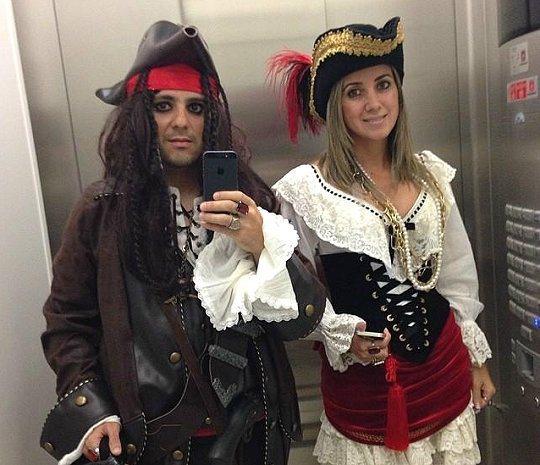 Felipe Massa(左)裝扮成傑克船長。 Felipe Massa Instagram