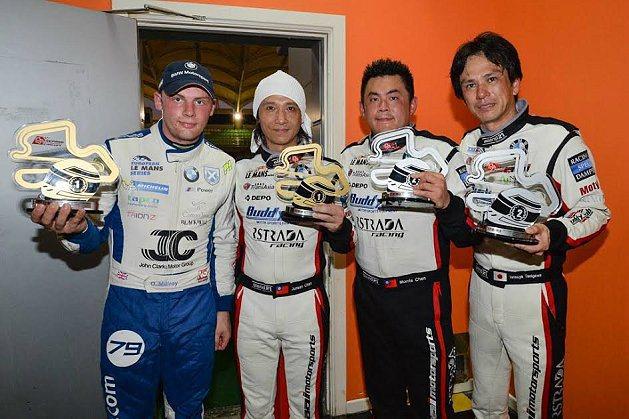 AAI車隊車手,左起Ollie Millroy、陳俊杉、陳漢承、谷川達也。 AA...