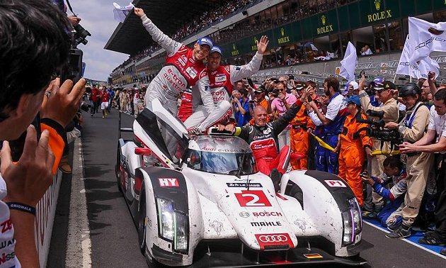 今年賽事等級最高的LMP1組,由奧迪M.Fassler、A.Lotterer、B...