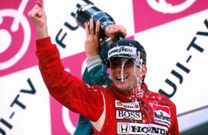 Ayrton Senna在1988年開著MP44賽車拿下世界冠軍。 F1官網