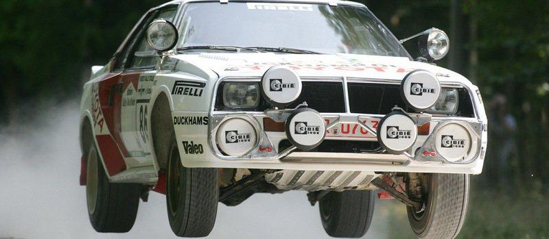 1982年三代Celica配上新的渦輪增壓引擎參加WRC大賽B組賽車,並拿下WRC第五名,為Toyota參加WRC賽車揭開序幕。 Toyota提供