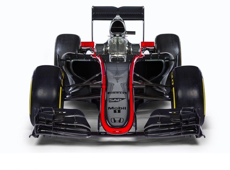 因應FIA技術規範,MP4-30外觀已取消先前叉狀鼻翼,回歸一般傳統平滑的造型,並採低斜的設計向下延伸。 McLaren Honda提供