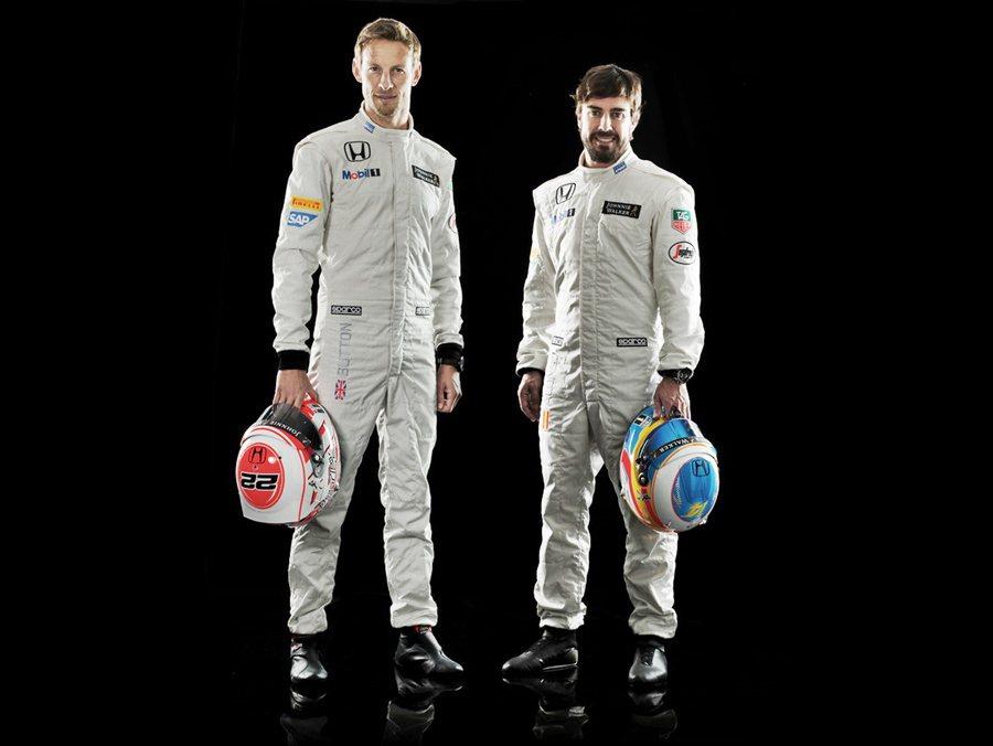 兩位冠軍車手Jenson Button與Fernando Alonso穿著全新賽車服亮相,對於嶄新賽季想必車迷已相當興奮。 McLaren Honda提供