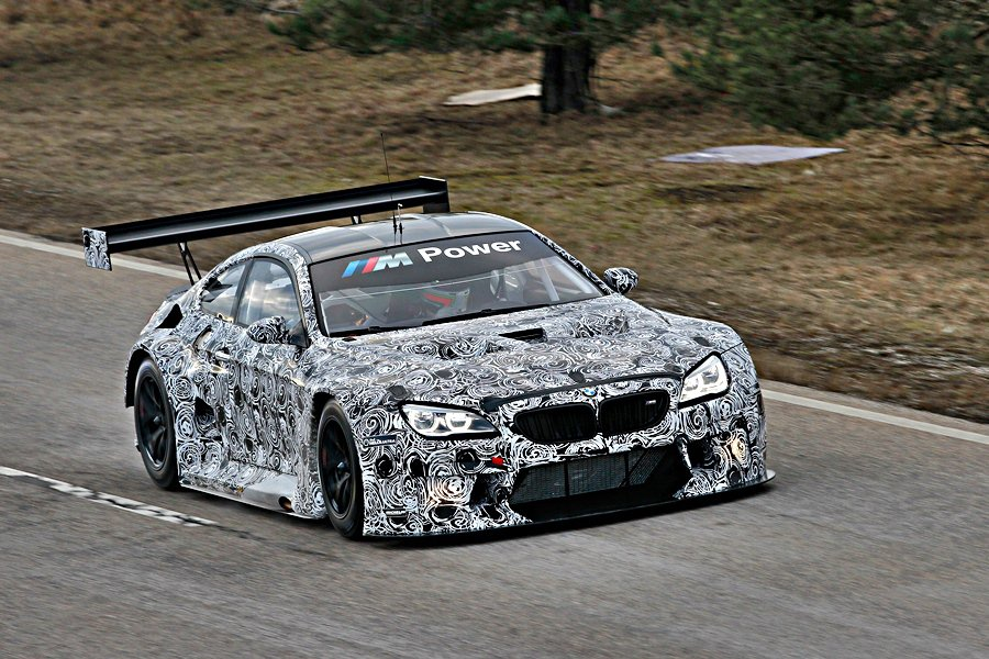 BMW全新GT戰馬M6 GT3,上周六在德國Dingolfingm賽道首度曝光。 BMW提供