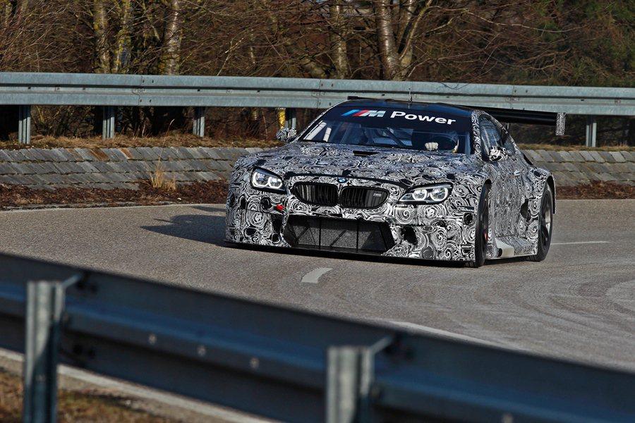 BMW M6 GT3搭載一具4.4升V8的M Twin Power雙增壓量產化的引擎,最大馬力500hp。 BMW提供