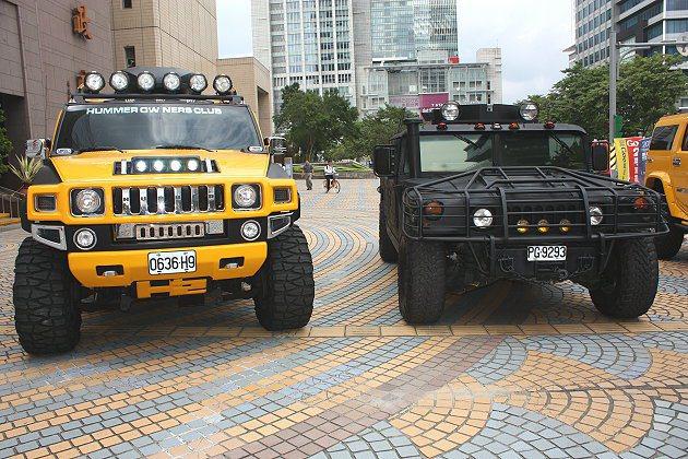 右邊為《痞子英雄2》軍用悍馬車。 記者林和謙/攝影