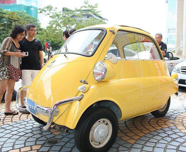 造型特殊的BMW Jetta。 記者林和謙/攝影