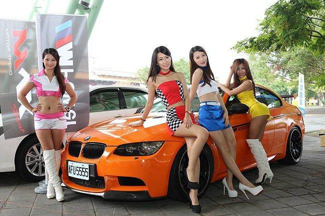 火辣車模映襯汽車工藝之美。 承德汽車商圈提供