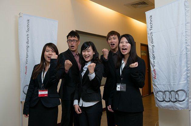 負責台中經銷商活動的同學,由五位台灣大學的同學所組成的跨系所團隊:拉霸。 Aud...