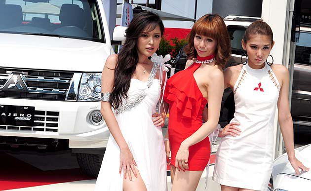 三位美背女神各有支持者。 蔡志宇