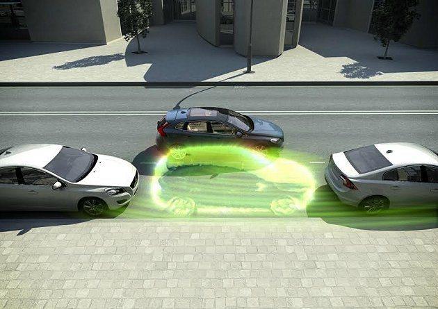 Volvo V40 全車系標配讓路邊停車變得輕鬆簡單的PAP自動停車輔助系統,解決路邊停車不易的煩惱。 Volvo提供