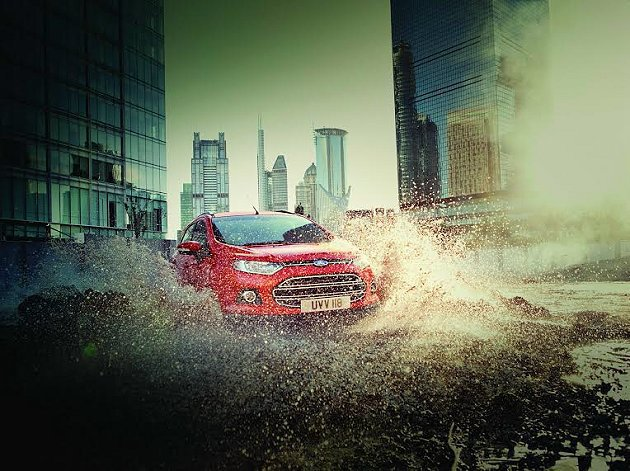 Ford EcoSport具備的靈巧車身設計和絕佳的穩定及操控性,適合女性駕乘。...