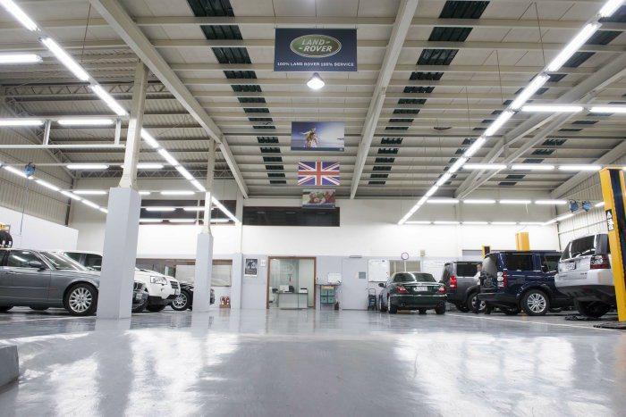 頂級而完整的設備提供車主最完善的服務。 九和汽車提供