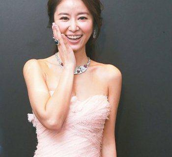 寶格麗(BVLGARI)昨日舉辦La Dolce Vita甜蜜生活頂級珠寶展,台灣為全球巡迴首站,91件頂級珠寶、16只珠寶表,共百餘件珠寶總值破38億,來台珠寶金額再創近年新高。林心如配戴此次來台...