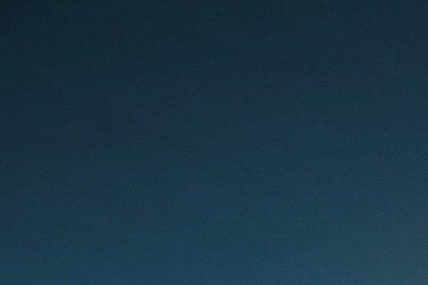 李東學繼「後宮甄嬛傳」飾演「果郡王」讓台灣師奶觀眾癡迷之後,又與豬哥亮合作春節賀歲片「大囍臨門」,他接受「men's uno」雜誌專訪時深談感情問題,被問及對愛情的定義?李東學篤定的回應:「相信!我...