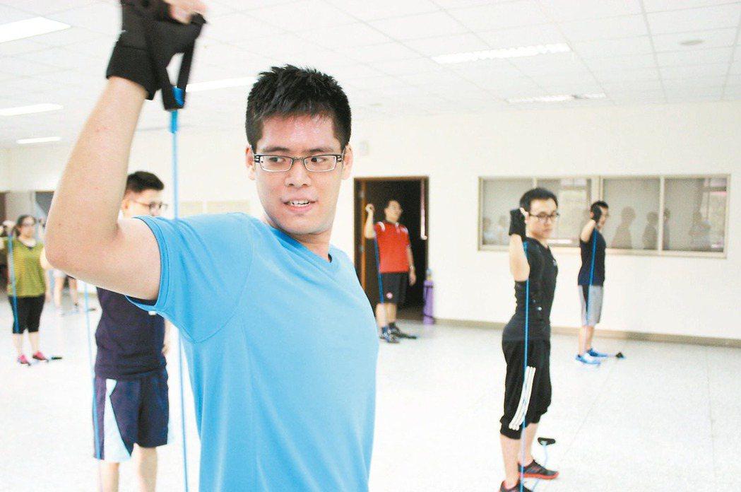 花蓮縣衛生局在全縣設有九十五個體重測量站,鼓勵民眾報名減重班,透過運動達到健康減...