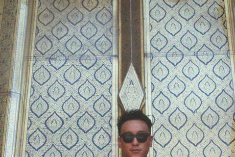王陽明自從認愛蔡詩芸後,戀情日趨高調,兩人才一起走了一趟澳洲,稍早前蔡、王兩人的足跡又南移至泰國曼谷,蔡在逛至曼谷玉佛寺時不忘在Instagram自豪說:「My hair matches the t...
