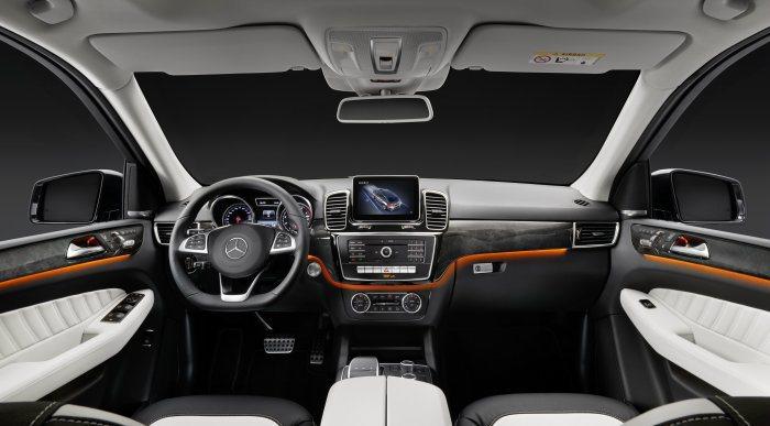 內裝以多層次設計營造立體感,並推出多種內裝配色選擇。 M.Benz提供