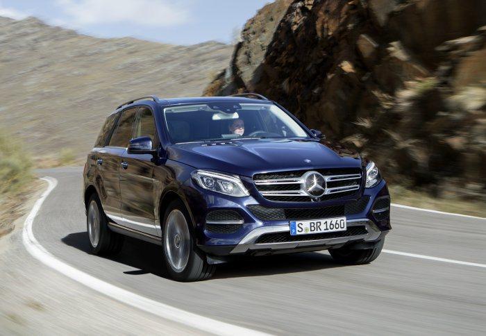 面對BMW的強勁攻勢,M.Benz近日也動作頻頻,首先是去年底搶先亮相的GLE-...
