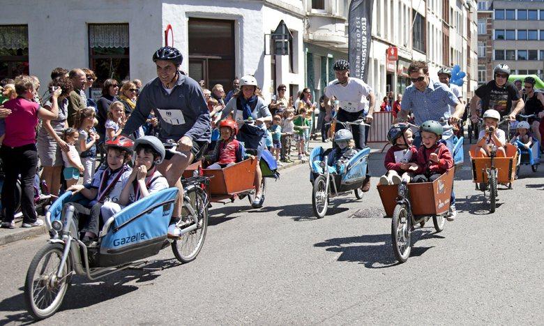 對荷蘭人來說,照顧小孩真的是「自己的事」,而他們給予孩子最重要的禮物,就是陪伴。 圖/美聯社